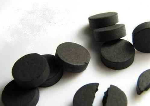 Активированный уголь. Отбеливание зубов активированным углем.